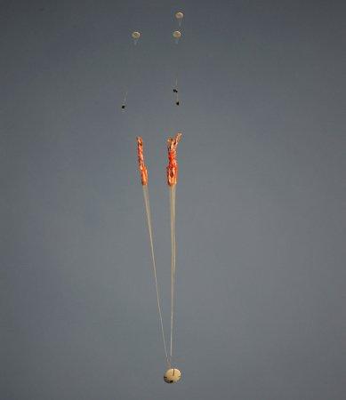 НАСА испытывает парашютные системы космического корабля Orion