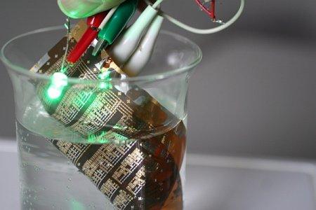 Новый органический транзистор выдерживает... кипячение