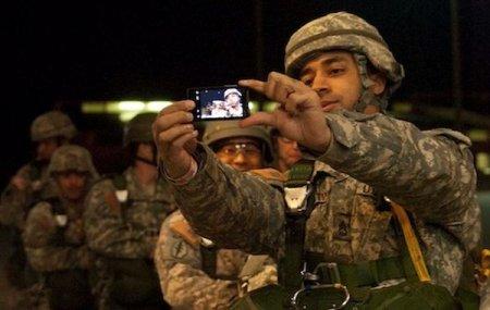 Соцсети и смартфоны все-таки следят за вами.