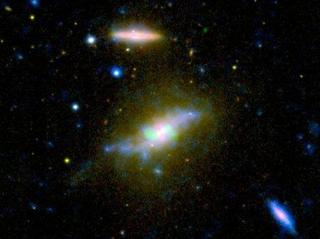Обнаружена галактика, конец которой только начался