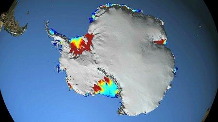Таять льды Антарктиды заставляет теплый океан, а не воздух