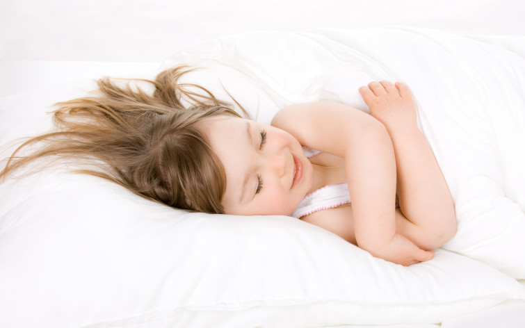 почему дети улыбаются во сне
