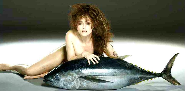 Хелен Бонем Картер с тунцом