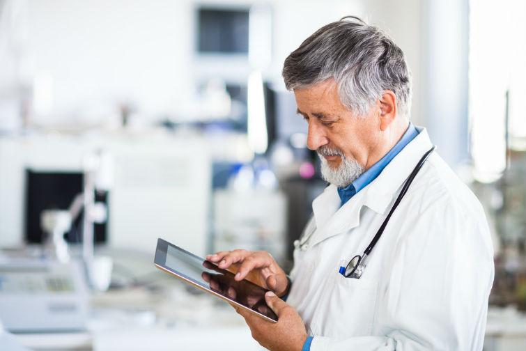 врачам выдадут планшеты