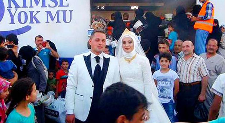 свадьба с 4000 беженцев