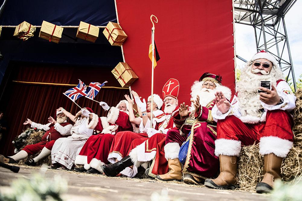 Против Рождества европейские власти